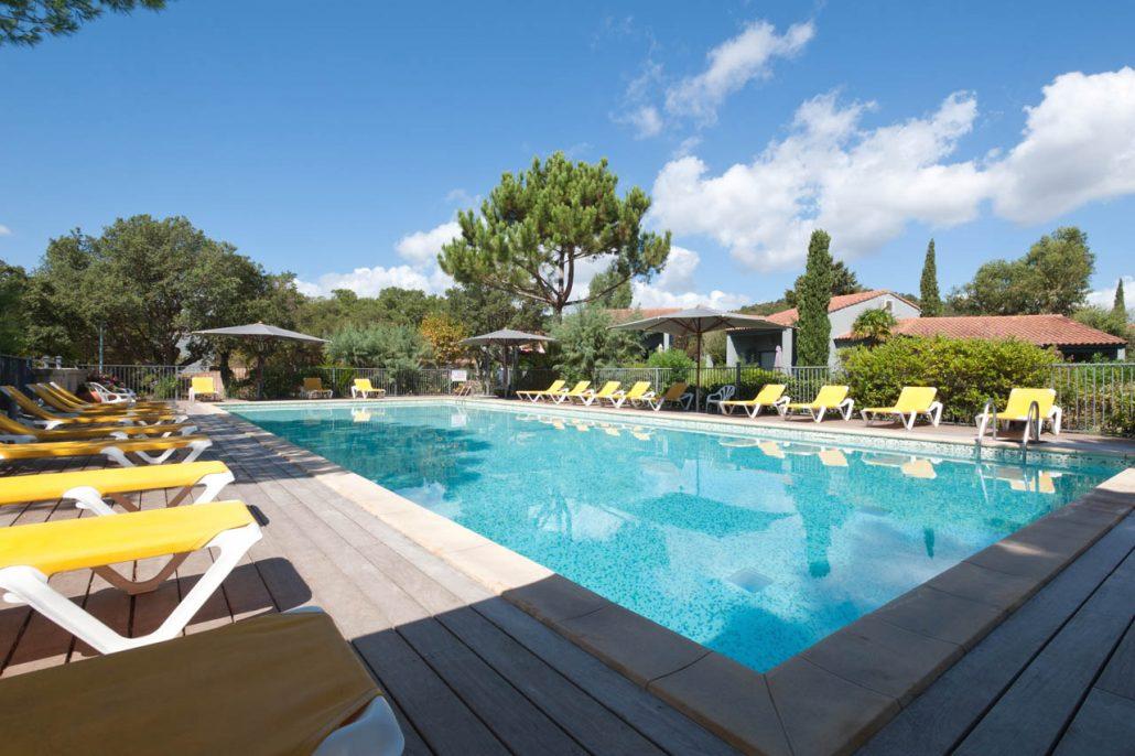 La piscine de la r sidence blue marine for Residence piscine